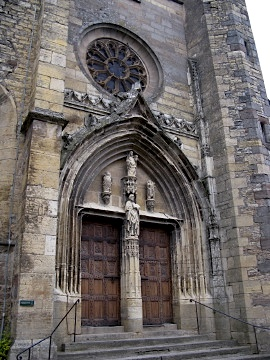 Church door in Saint Côme d'Olt