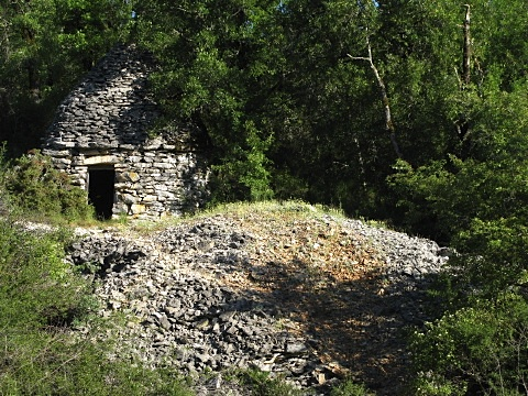 Dry stone caselle used as temporary dwelling or store