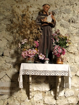 Statue in the Eglise de Routges