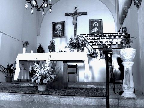 Interior of the church in Moratinos