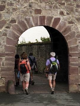 Pilgrims arrive at the Porte Saint Jacques