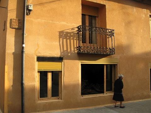 Street scene in Puente de Villarente