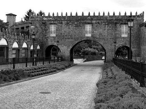 Arch linking the Capilla and the Pazo de Coton in Negreira