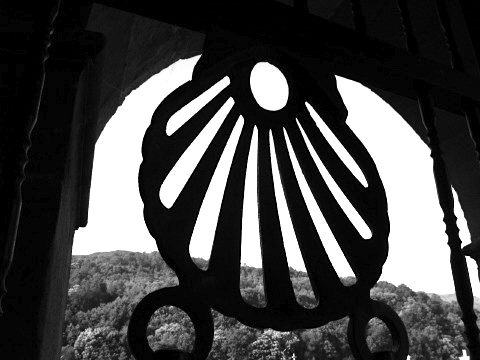 Scallop iron work at the Church of Santiago in Triacastela