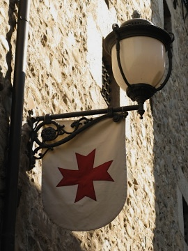 Street lamp and the Maltese Cross