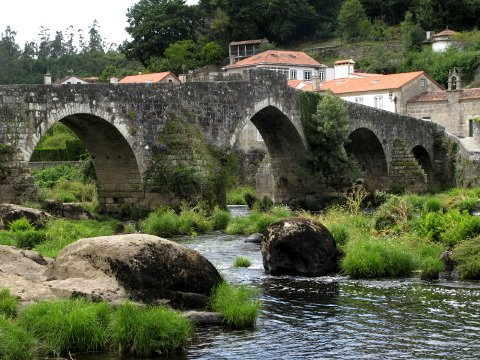 The bridge at the village of Ponte Maceira