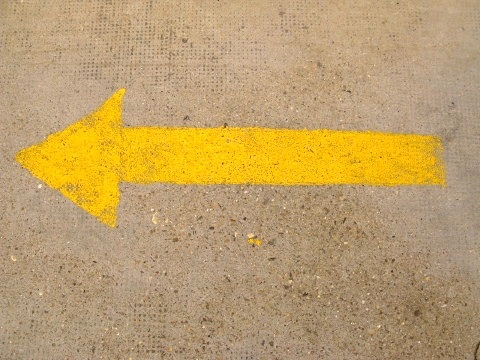 The familiar yellow arrow pointing the way to Santiago