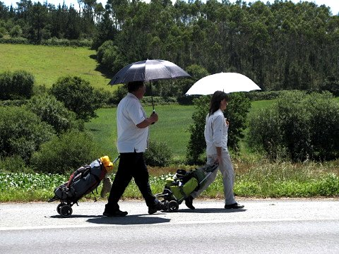 Two non-conventional pilgrims going to Finisterre