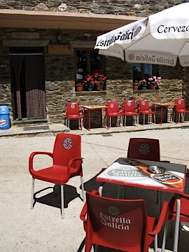 Cafe at La Laguna on the Galician Border